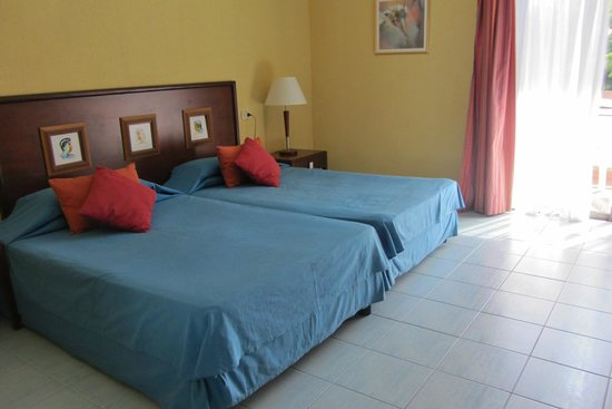 Hotel Roc Arenas Doradas: Zimmerbeispiel