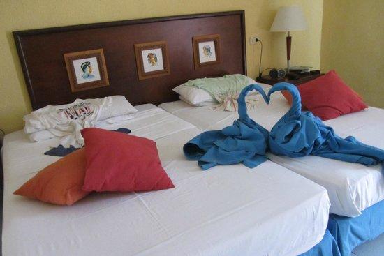 Hotel Roc Arenas Doradas: Zimmer