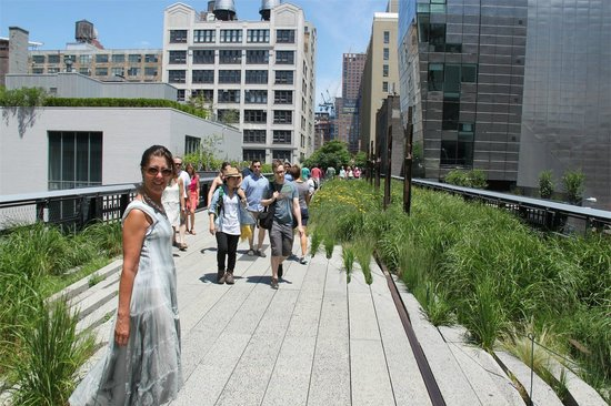 High Line: Walking to 14th street