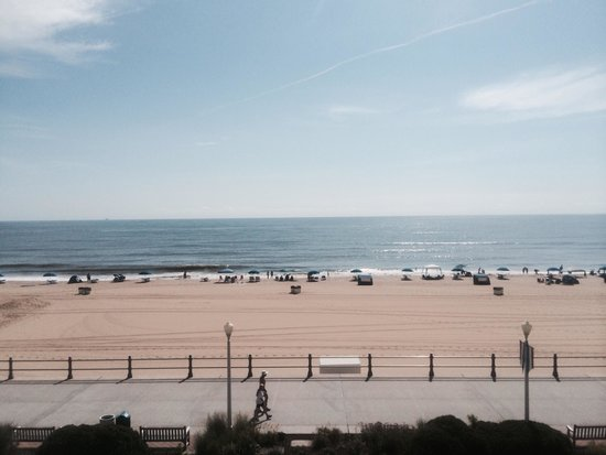 Holiday Inn & Suites North Beach: View from room