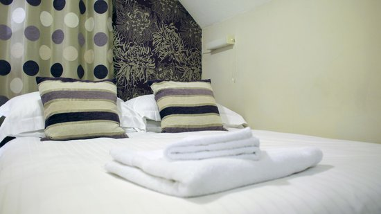 Camelot Guest House: Room 6. Single with Double Bed