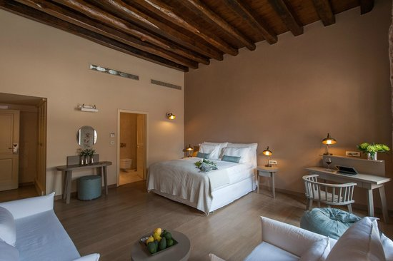 Serenissima boutique hotel prices reviews chania for Boutique hotel crete