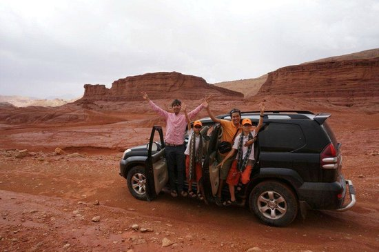 Real Morocco Tours - Private Day Tours: On the off road track to visite the nomad