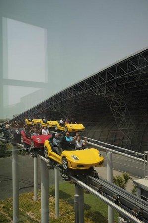 Ferrari World Abu Dhabi: нет описания