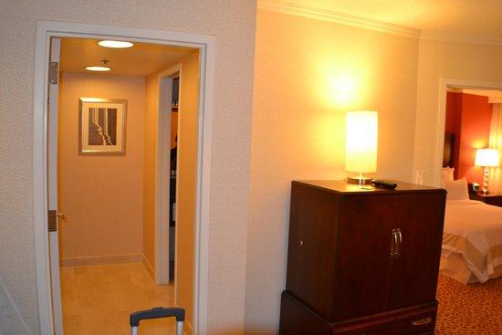 Bethesda Marriott Suites: room
