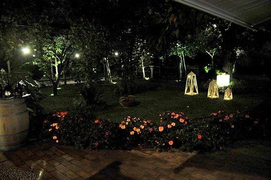 Paradise Garden & Wine