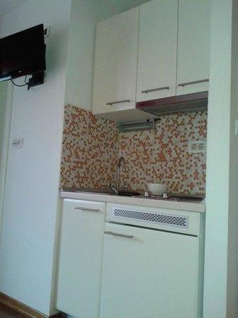 Dosud Apartments: Mini-cocina