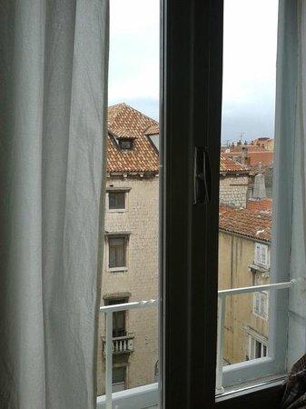Dosud Apartments: Vistas desde la habitación