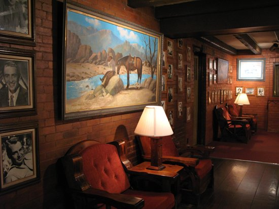 El Rancho Hotel & Motel : The hotel's second floor
