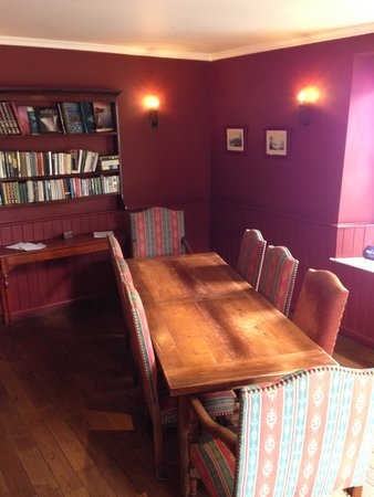 Walkers' Bar at Macdonald Swan Hotel: Private Dining area can be set upto 12