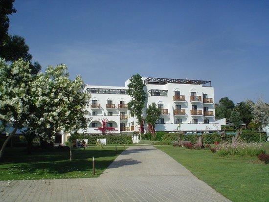 Sensimar Oceanis Beach & Spa Resort: our room top floor in the corner
