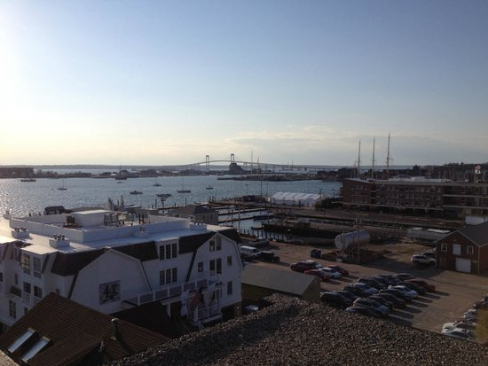 Wyndham Inn on the Harbor: Newport Harbor & Newport Bridge