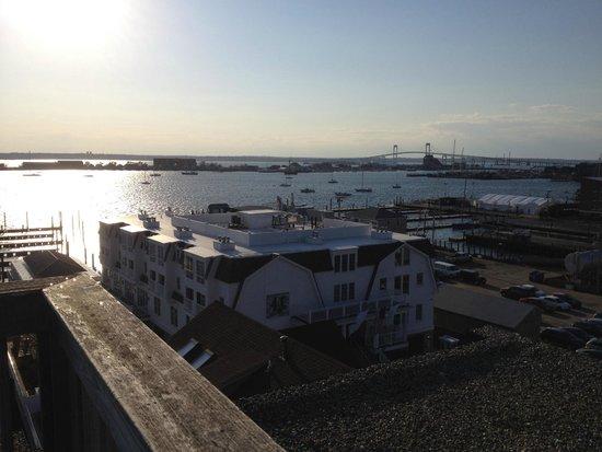 Wyndham Inn on the Harbor: Evening photo of Newport Harbor & Bridge