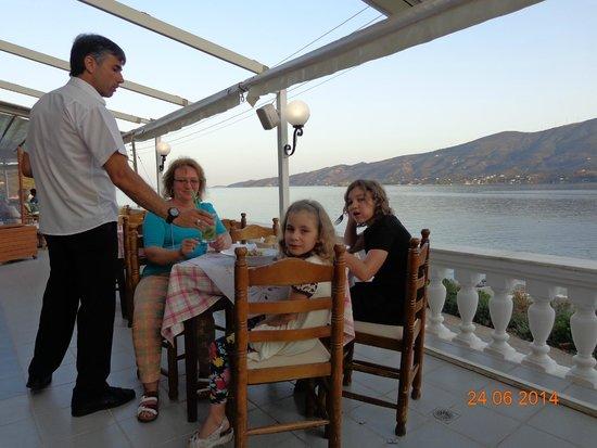 New Aegli Resort Hotel : Вид из ресторана на море