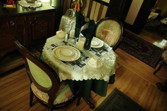 Gite La Maison Du Sheriff Sheppard : salle à manger