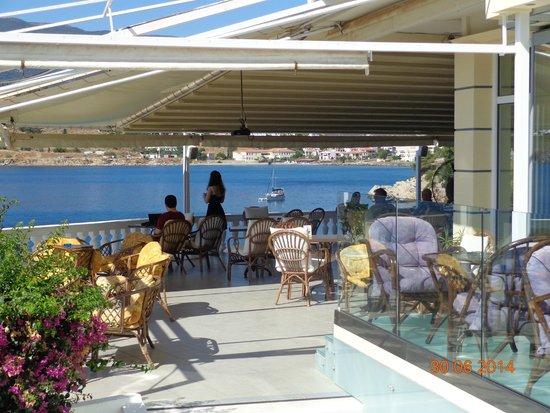 New Aegli Resort Hotel : Веранда в холле
