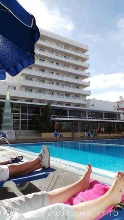 Catalonia Oro Negro: The hotel&pool