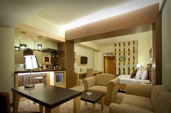 Kartika Graha: executive suite