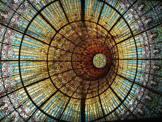 Palau de la Musica Orfeo Catala: the 'sun'