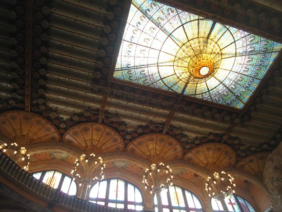 Palau de la Musica Orfeo Catala: ceiling