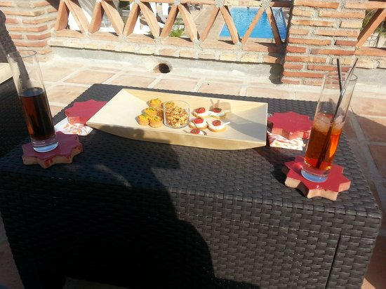 Finca Los Pinos Guesthouse: cocktails & canapes