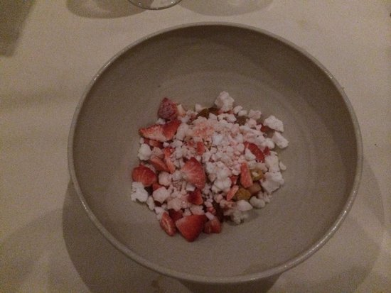 Restaurant Sat Bains: Strawberry