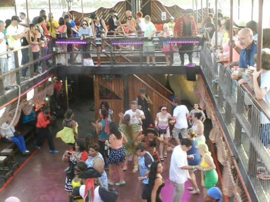 Ocean Adventures - Caribbean Pirates: Action on the boat ride
