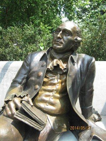 George Mason Memorial : close up of George Mason
