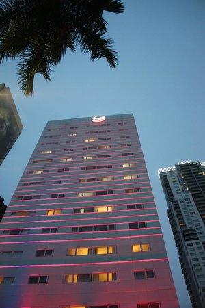 YVE Hotel Miami : L'extérieur