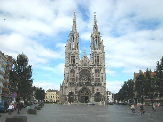 Church of Saint Peter and Saint Paul : Splendid approach