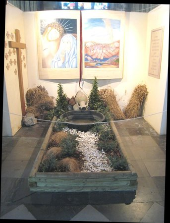 Church of Saint Peter and Saint Paul : Tranquil space to contemplate