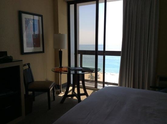 Bahia Mar Fort Lauderdale Beach - a Doubletree by Hilton Hotel: amazing ocean view, small balcony