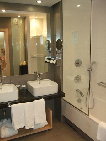 Vincci Seleccion Posada del Patio : Bathroom
