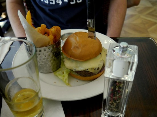Hard Rock Cafe Venice: Swiss mushroom burger
