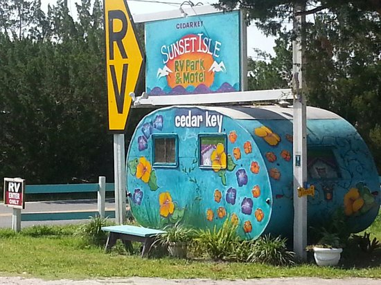 Kelly's AdaBlue Cafe: Painted up camper