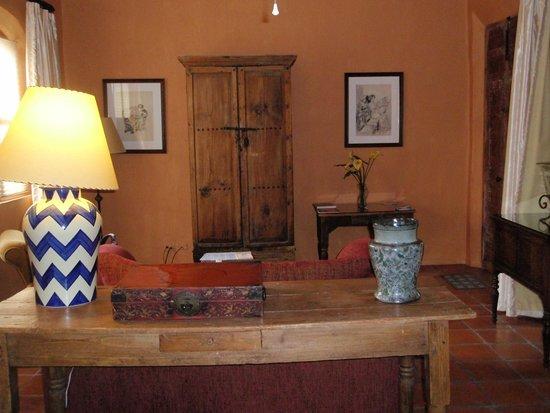 Casa Mision de San Miguel: TV Lounge