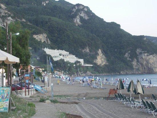 Mayor La Grotta Verde Grand Resort: View of hotel from beach