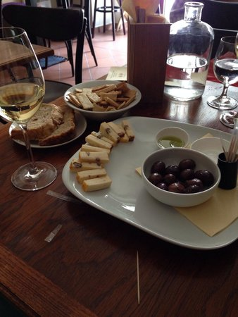 Vinograf  Wine Bar: Delicious Czech cheese with walnuts and grape seeds oil.