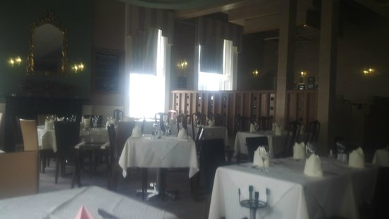 Ming Garden Chinese Restaurant: the place.........