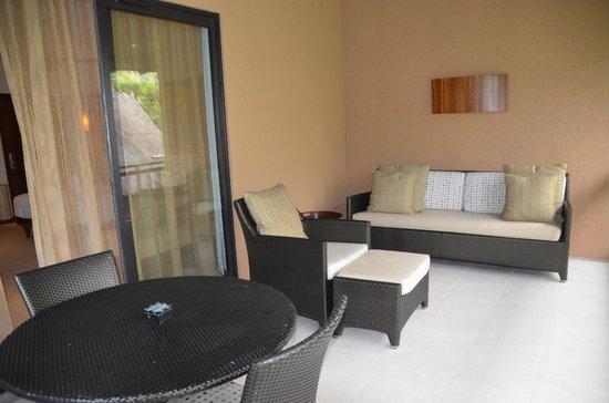 Constance Ephelia: Terrasse de la chambre
