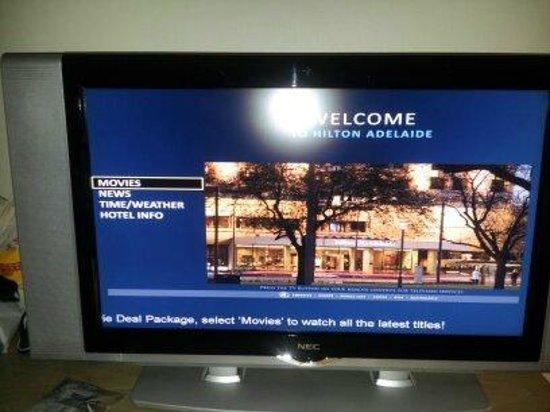The Great Southern Hotel : 투숙객을 환영하는 TV 화면!