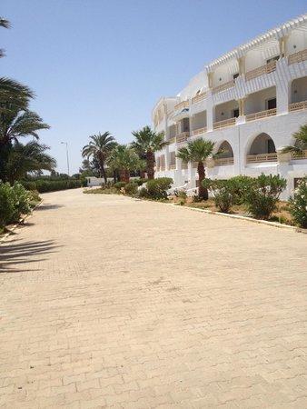Ramada Liberty Resort Hotel: Hotel grounds