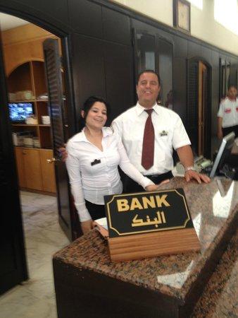 Ramada Liberty Resort Hotel: Desk staff on reception