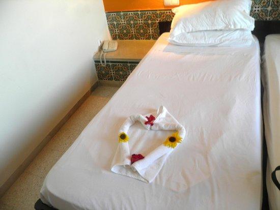 Hotel Djerba Haroun : Cleaners left towels in lovehearts