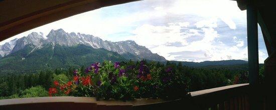 Romantik Alpenhotel Waxenstein: Panorama uitzicht vanaf kamer 303