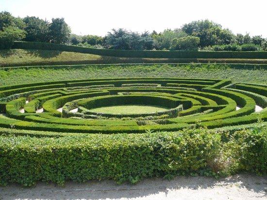 La Colline aux Oiseaux: le labyrinthe