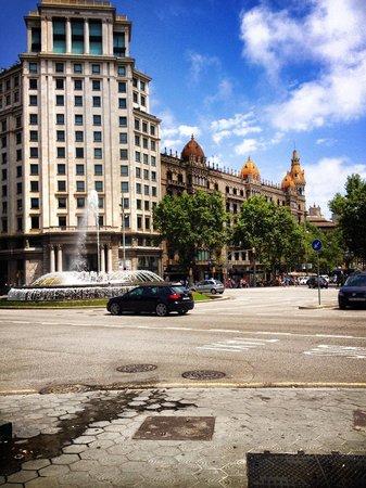 Passeig de Gràcia: Piazza