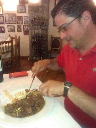 El Fogaril: Corzo con moixaardinas y cerezas silvestres al armañac.