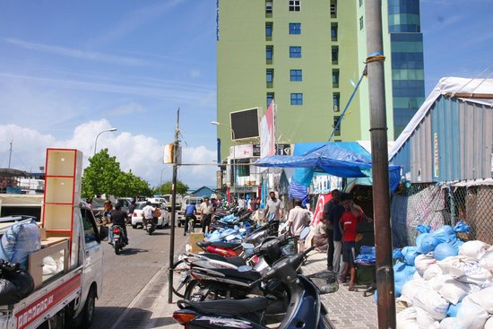Male Local Market : Outside the Local market
