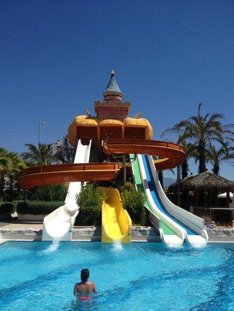 Side Crown Palace: Kaydıraklı havuz